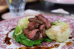 Yakiniku - grillat kött på japanskt vis | Recept | svenska.yle.fi Steak, Bbq, Pork, Asian, Dinner, Barbecue, Kale Stir Fry, Dining, Barrel Smoker