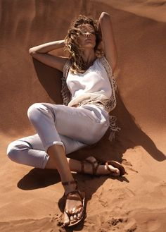 Summer of Style – Edita Vilkeviciute gets tapped for Mango's summer 2013 catalogue, posing in exotic sand dunes and tourist locales in the retailer's new styles. New Catalogue, Fashion Catalogue, Desert Fashion, Boho Fashion, Style Photoshoot, Edita Vilkeviciute, Bleached Denim, Mode Editorials, Fashion Editorials