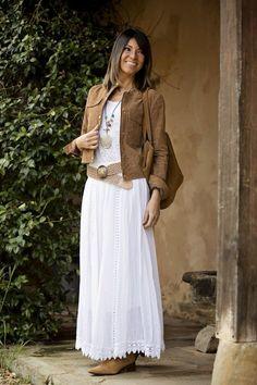 White for the spring móda romantische kleider, stil mode a frauen outfits. Modest Dresses, Casual Dresses, Casual Outfits, Fashionable Outfits, Modest Fashion, Women's Fashion Dresses, Mode Hippie, Look Fashion, Womens Fashion