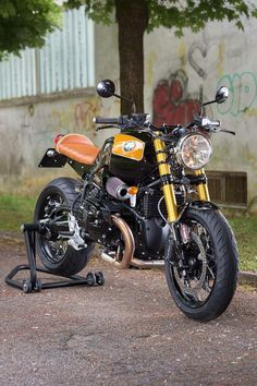 Just stuff that fits my lifestyle, or that I'd like to be part of my lifestyle. R Cafe, Moto Cafe, Cafe Bike, Bmw Cafe Racer, Cafe Racers, Custom Bmw, Custom Bikes, Bmw Classic, Classic Bikes
