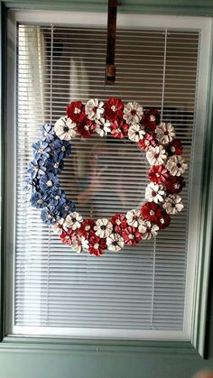 33 ideas for painting flower wreath pine cones Pine Cone Art, Pine Cone Crafts, Wreath Crafts, Diy Wreath, Pine Cone Wreath, Painting Pine Cones, Paper Wreaths, Wreath Ideas, Patriotic Crafts