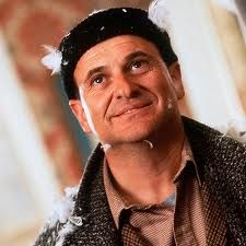 "Joe Pesci played the mean bandit burglar with his sidekick Daniel Stern in the movie ""Home Alone. Christmas Movie Characters, Best Christmas Movies, Holiday Movie, Christmas Trivia, Merry Christmas, Xmas, Home Alone 1990, Home Alone Movie, Harry Home Alone"