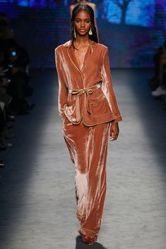 Alberta Ferretti - MFW Fall/Winter 2016-2017 - so-sophisticated.com