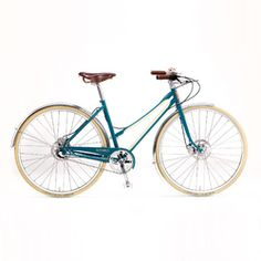 The American-made steel frame and fork are designed for comfort, utility and smooth urban riding, in dry or wet. The Bixby is offered in both a classic men's and women's frame design.