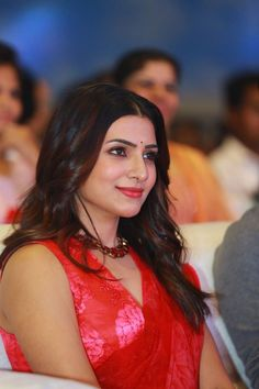 Exclusive photos of the beautiful Samantha Akkineni from various pre release events of her upcoming movie JAANU. Samantha In Saree, Samantha Ruth, Bollywood Actress Hot Photos, Actress Pics, Indian Wedding Poses, Samantha Images, Indian Photoshoot, Glamour Ladies, Beautiful Girl Photo