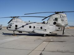 CH-46 Sea Knight US Marine Utility Helicopter