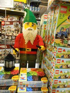 LEGO Giant Gnome - Zara Miravent