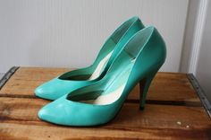 VINTAGE 1980's stilettos sizzlin sexy  minty by beguilingvintage, $32.00