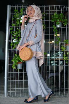 Pin Image by Celebrity Good Blouse Dress, Dress Up, Hijab Fashion, Fashion Dresses, Women's Fashion, Kurung Peplum, Kebaya Muslim, Hijab Outfit, Hottest Models