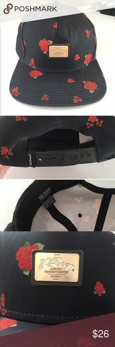 d49f50dbf6e Deep Roses SnapBack Like new 10Deep hat. Navy with roses allover print.