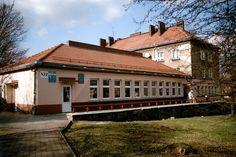 Tychy, przychodnia zdrowia, osiedle B, Foto. Janusz A. Włodarczyk © 2008