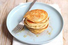 Pannenkoekjes met Griekse yoghurt - Lekker en Simpel Baked Pancakes, Granola, Recipies, Brunch, Food And Drink, Low Carb, Baking, Breakfast, Healthy