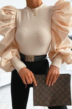 Pull femme : pulls col roulé, cache coeur et pull dentelle – Brentiny Paris Women's sweater: turtleneck sweaters, wrap-around sweater and lace sweater – Brentiny Paris 464926361533410829 Outfits With Hats, Cute Casual Outfits, Chic Outfits, Winter Outfits, Look Fashion, Winter Fashion, Lace Sweater, Lace Scarf, Blouse Designs