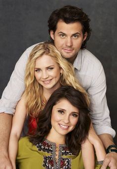 Life Unexpected- What a beautiful show with such an amazing cast. Family is one of the best things in the world