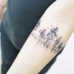 Arm Tattoos For Women – Image Ideas – Tattoos Piercings Tree Tattoo Arm, Forearm Tattoos, Body Art Tattoos, New Tattoos, Tattoos For Guys, Cool Tattoos, Tattoo Ink, Tatoos, Scar Cover Tattoo