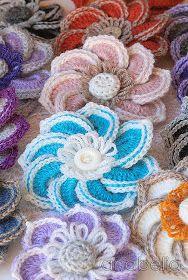 Crochet flower brooch by Anabelia