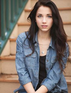 Image about emily rudd in Rudd☯ by mary_narry Female Character Inspiration, Beauty Book, Brunette Beauty, Female Characters, Asian Woman, Portrait Photography, Ideias Fashion, How To Look Better, Girl Outfits