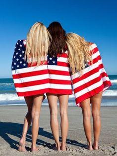 En rejse til USA, Amerikas Forenede Stater, er for mange en ægte drømmerejse. Når man rejser til USA har man nemlig masser af muligheder for at tilrettelægge turen i forhold til de ønsker og planer man har for hvad man vil opleve.  Du kan finde de lækreste hvide sandstrande ved fx Floridas kyst, du kan opleve masser af storbyer med flere indbyggere end hele Danmark.