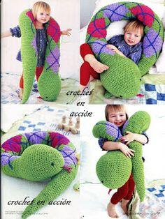 Crochet En Acción: amigurumis, it& a Spanish site but the Pdfs patterns ar. Love Crochet, Crochet For Kids, Diy Crochet, Crochet Crafts, Yarn Crafts, Crochet Baby, Vintage Crochet, Crochet Amigurumi, Amigurumi Patterns