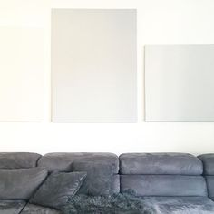 simple  #simplicity #simple #minimal #minimalism #schlicht #grau #shadesofgrey #grey #wohnzimmer #sofa #cosy #xxlsofa #couch #livingroom #immyandindi #wohnkonfetti #germaninteriorbloggers #solebich #whiteliving #whitehome #allwhite #grey #shadesofgrey #grau #ichmagsschlicht