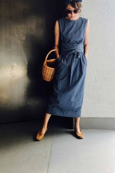 The end of summer twilight dress / Coordinate details / Kyoko Kikuchi's Closet Hot Outfits, Pretty Outfits, Casual Outfits, Mode Ab 50, Simplicity Fashion, Mode Jeans, Moda Casual, Minimalist Fashion, Minimalist Style