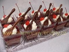 Kelímky fantazie Sweet Bar, Tiramisu, Cookie Recipes, Catering, Panna Cotta, Cheesecake, Food And Drink, Candy, Cookies