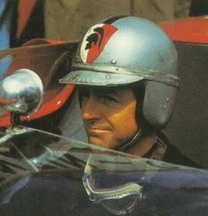 Retro Helmet, Vintage Helmet, Ferrari Racing, Mclaren F1, F1 Drivers, Helmet Design, Indy Cars, Car And Driver, Formula One