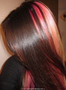 Like the highlight, dont know if im thrilled about the pink.. hmm next hair dyejob??