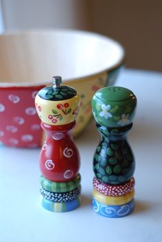 Multi colored salt and pepper shaker set by mimiware on Etsy