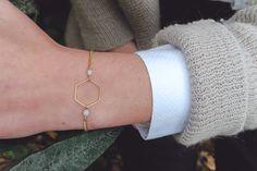 hexagon bracelet, light grey minimalist bracelet with hexagon shape, geometric bracelet, grey bracelet, pastel grey jewelry