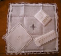 Embroidery Stitches Tutorial, Hand Embroidery, Fibre And Fabric, Catholic Art, Catholic Churches, Tatting Lace, Chrochet, Diy And Crafts, Cross Stitch