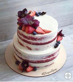Beautiful Naked Cake With Fresh Berries Lovely red velvet cake cover Cupcake Birthday Cake, Birthday Cake Decorating, Cupcake Cakes, Rustic Birthday Cake, Gorgeous Cakes, Pretty Cakes, Amazing Cakes, Bolo Neked Cake, Red Velvet Wedding Cake