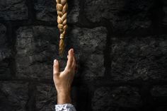An exclusive interview with photographer Laura Zalenga, who recreates scenes from classic fairy tales, bringing the Brothers Grimm to life. Tangled Rapunzel, Disney Tangled, Rapunzel Hair, Walt Disney, Princess Aesthetic, Disney Aesthetic, Witch Aesthetic, Brothers Grimm Fairy Tales, Classic Fairy Tales
