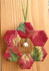 Hexagon Wreath Ornament | Hexagons will always be the favorite shape for EPP. So it definitely should be used for Christmas projects. What's fun about this one is the size... it's a miniature!