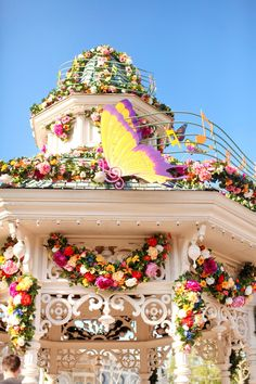 The Cherry Blossom Girl - Disneyland Paris Swing Into Spring 26 http://www.thecherryblossomgirl.com/page/11/