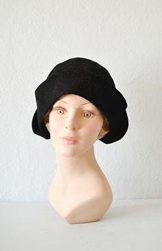 vintage 1920s black stitched cloche hat