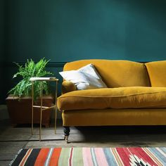 Mustard Yellow Couch Living Room Mustard Walls The Best Mustard Walls Ideas Dark Blue On Mustard Yellow Sofa Design Mustard Sofa, Mustard Walls, Turquoise Walls, Teal Walls, Living Room Sofa, Living Room Decor, Casa Milano, Dark Green Walls