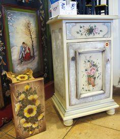adelaparvu.com despre Mobila Pictata (17) Painted Furniture, Decorative Boxes, Interior Design, Room, Handmade, Painting, Decor Ideas, Home Decor, Nest Design