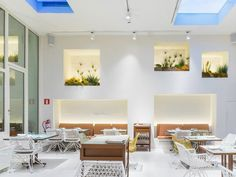 The El Bulli alumni strike again with a tasting menu to remember, at this restaurant located in the Eixample. Barcelona Food, Barcelona Restaurants, Tapas Bar, Tasting Menu, Best Chef, Places To Eat, Table Settings, Home Decor, Decoration Home