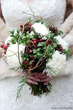 Creative Winter Christmas Wedding Bouquets Flowers Xmas Ideas