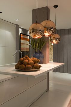 Christina Hamoui - 2012 Artefacto B & C - Terraco Gourmet Praia, Interior Lighting, Home Lighting, Modern Lighting, Lighting Ideas, New Kitchen, Kitchen Decor, Kitchen Ideas, Kitchen Inspiration, Kitchen Island