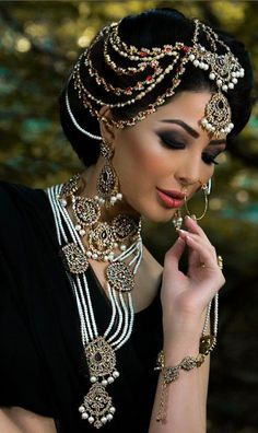 bridal jewelry. Pakistani bridal makeup, Indian bridal makeup, pearl jewelry.