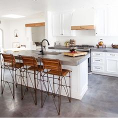 modern farmhouse kitchen design with island