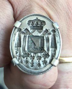Ring Bear, Noblesse, Wax Seals, Signet Ring, Monogram, Rings, Restoration, Surfboard Wax, Ring