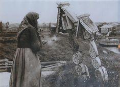 Старуха у крестов. Предположительно север России