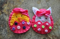 Easter egg with either a hatching chick or by littlemunchkinpie, $7.00
