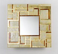 Quadro es un modelo de espejo de la firma Stocco que brilla por su elegancia. Es una pieza hecha para instalar en cualquier lugar de la casa pero especialmente indicado para el recibidor, lugar que primero se encuentran las visitas y que debemos tener decorado con el máximo detalle. Esta pieza está decorada mediante técnicas …