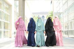 Muslimah modest wear (hijab) #uswahhijab #modestfashion #islamicfashion Modest Fashion, Hijab Fashion, Fashion Dresses, Hijab Dress, Hijab Outfit, Hijab Dpz, Hijab Niqab, Hijabi Girl, Modest Wear