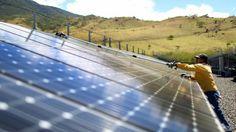 Será que a Costa Rica conseguirá se livrar totalmente dos combustíveis fósseis em um futuro próximo? O país já usa energias limpas em quase 100% da sua demanda, com geração hidrelétrica, geotérmica, eólica, solar e de biomassa. (Fonte: BBC).