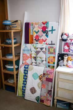 In Color Order: Tips for Good Quilt Care- wash with salt to prevent bleeding and washing with just cold water to remove blue ink Quilt Storage, Paper Storage, Fabric Storage, Quilting Tips, Quilting Tutorials, Sewing Rooms, Free Sewing, Sewing Projects, Sewing Ideas